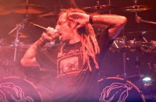 """Lamb Of God julkaisi rumpuvideon Art Cruzista soittamassa """"Laid To Rest"""" -klassikkoa"""