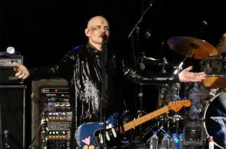 The Smashing Pumpkinsin New Jerseyn keikalla useita vierailevia muusikoita: Deftonesin Chino Moreno, AFI:n Davey Havok sekä Courtney Love nousivat lavalle