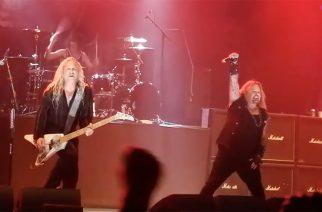 Vince Neil soitti Mötley Crüen klassikoita Porisperessä: Katso fanien kuvaamia videoita