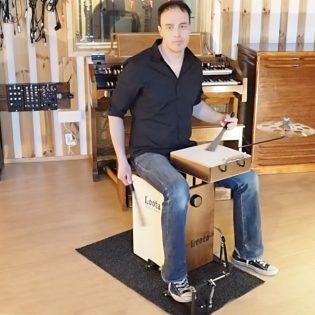 Kotimainen rumpali Mika Lilja teki itselleen yhteen laukkuun mahtuvan rumpusetin: Nyt Loota Percussionia myydään kansainvälisesti