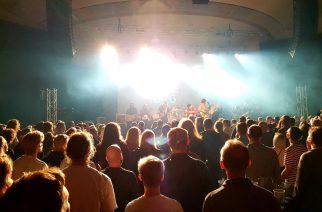 Alt Agencyn rosterista oli valikoitu Kulttuuritalolle esiintymään kolme yhtyettä.