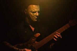 Ex-Chelsea Grin -kitaristi Jason Richardson julkaisi versionsa Halloween-elokuvan teemasta asianmukaisessa maskissa