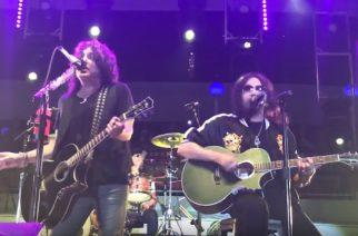 """Ace Frehley ja Bruce Kulick nousivat Kissin kanssa lavalle tämän vuoden """"Kiss Kruise"""" -tapahtumassa"""