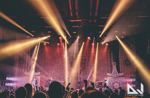 Voimaa puhkuva Amorphis kuultiin Helsingin jäähallissa Black Box:ssa – katso livekuvat