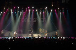Foreignerin alkuperäinen kokoonpano nousi yhdessä lavalle Los Angelesissa