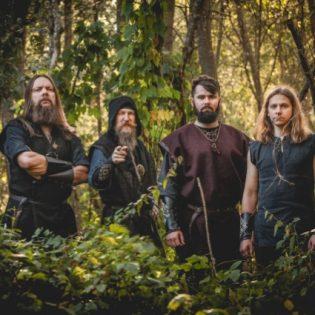 Perkelefest ampuu kovilla: latvialainen Skyforger helmikuussa Helsinkiin kotimaisten black metal -yhtyeiden kera