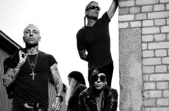 """""""Taidamme olla ZZ Topin ja U2:n kanssa ainoita bändejä, joilla on ollut sama kokoonpano 30 vuotta!"""" – Haastattelussa Zrockiin sekä Rockperry Reloadiin saapuva ruotsalaissuuruus Backyard Babies"""