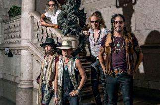 Hanoi Rocks -yhteyksistään tunnettu Electric Boys On The Rocksiin huhtikuussa