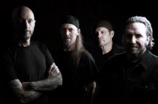 Machine Headin entinen rumpali Dave McClain palaa uutta albumia työstävään Sacred Reich -yhtyeeseen