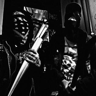 Suomen vihaisimmalta bändiltä UZI:lta maistiainen tulevalta täyspitkältä
