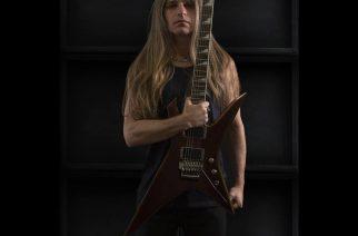 Manowar julkisti korvaavan kitaristin jäähyväiskiertueelleen lapsipornon hallussapidosta syytetyn Karl Loganin tilalle