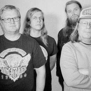 Helsinkiläinen hardcore-punk -yhtye Hero Dishonest täyttää 20 vuotta: luvassa uusi albumi helmikuussa