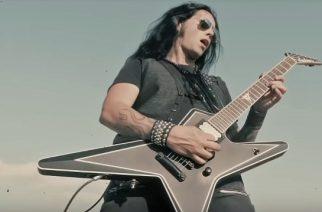 """Kreikkalaisen kitaravirtuoosi Gus G:n tuoreella """"Don't Tread On Me"""" -kappaleen musiikkivideolla ei meno hyydy"""
