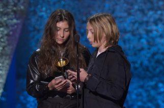Chris Cornellin lapset vastaanottivat isänsä Grammy-palkinnon – pitivät hienon muistopuheen