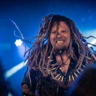 Folk metal raikasi Apollossa – Katso kuvat Korpiklaanin Turun keikalta