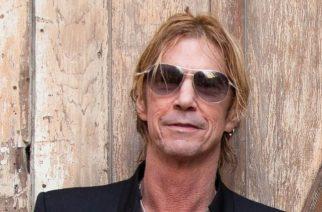 """Guns N' Roses -basisti hempeilee: tulevan sooloalbumin ensimmäinen kappale """"Tenderness"""" kuunneltavissa"""