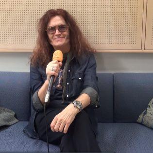 """Glenn Hughes myöntää Ritchie Blackmoren kanssa työskentelyn olleen vaikeaa: """"Rakastan häntä, mutta hän on hankala"""""""