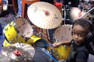 4-vuotias Justin Wilson II hämmästytti yleisöä rumputaidoillaan NAMM 2019 -musiikkimessuilla