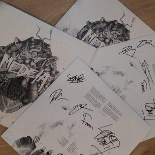 """Osallistu Medeia -aiheiseen tietovisaan ja voita bändin uusi """"Xenosis""""-albumi vinyylinä nimikirjoituksilla varustettuna!"""