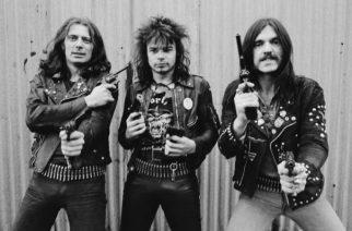 """""""40 vuotta liioiteltua, likaista tykitystä"""" – Motörheadin """"Overkill"""" täyttää pyöreitä"""