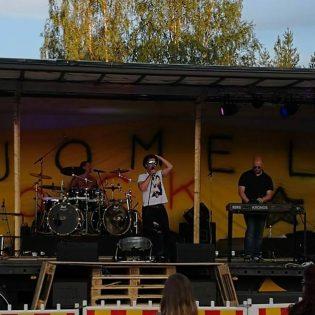 "Kotimaista hard rockia – Blackwater Commotion julkaisi singlen ""Sled of coming"""