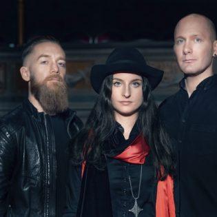 """Cellar Darlingilta lyriikkavideo """"Love""""-kappaleesta – yhtye Suomeen marraskuussa"""