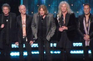 Def Leppard vihdoinkin Rock And Roll Hall Of Fameen – tältä juhlallisuudet näyttivät