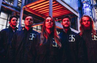 """Hardcore-yhtye Employed To Serve ottaa kantaa nuorten suuriin itsemurhatilastoihin Englannissa: katso video """"Harsh Truth"""" -kappaleesta"""