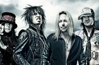 """Mötley Crüen Tommy Lee hehkuttaa yhtyeen kiertueen lavaproduktiota: """"Varokaa mitä toivotte"""""""