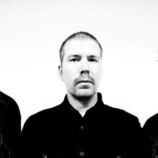 Posthum julkaisi toisen singlen huhtikuussa ilmestyvältä levyltään