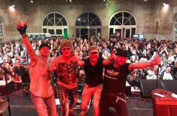 Rock 'n' roll -asennetta Saksasta: Razzmattazz haluaa päästä esiintymään suomalaisille sekä nykyisille että tuleville faneilleen