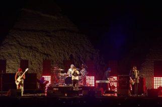 Red Hot Chili Peppersin esiintyminen Egyptin Gizan pyramideilla katsottavissa livevideolta kokonaisuudessaan