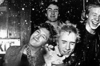 Legendaarisesta punk rock -yhtye The Sex Pistolsista tekeillä elokuva