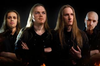 """Metalliyhtye Foredoomed julkaisi """"Worldfire""""-sinkun tulevalta kokopitkältään"""