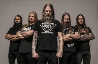 """Amon Amarth -kitaristi Olavi Mikkonen: """"Metallimusiikki on jopa suositumpaa nyt kuin meidän lapsuudessamme"""""""