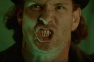 """Corey Taylor nähdään Falling In Reverse-yhtyeen tuoreella musiikkivideolla """"Drugs"""""""