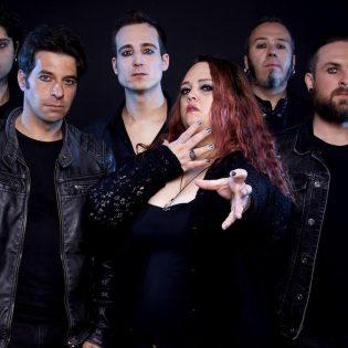 """Portugalilaiselta Enchantyalta musiikkivideo kappaleesta """"Downfall to Power"""""""