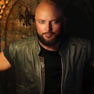 """Entinen Queensrÿche-laulaja Geoff Tate musiikin nykytilasta: """"Nuorten rockbändien on nykyään vaikea löytää yleisöä"""""""