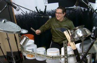 Maailman parhaimpiin rumpaleihin lukeutuva Mike Mangini istutettiin muoviämpäreistä kasatun setin taakse soittamaan mm. Rushia sekä Led Zeppeliniä: katso hauska video