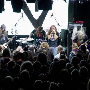 """Saint Vitus julkaisi uuden kappaleen """"Useless"""""""