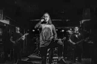 Kolmas Tuska-Torstai tarjoili täpötäydelle Bar Looselle heavy metalia, death metalia sekä modernia progea