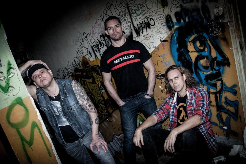 """Kotimainen thrash metal -yhtye Damage S.F.P. teki paluun debyyttialbuminsa merkeissä: video """"Ride""""-kappaleesta katsottavissa"""