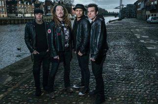 Brittiläinen, melodisesta raskaasta rockistaan tunnettu The Wildhearts klubikeikalle Virgin Oiliin lokakuussa