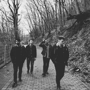 """Wolves at the Gate julkaisi ensimmäisen kappaleen heinäkuussa ilmestyvältä albumiltaan: kuuntele """"The Cure"""" tästä"""