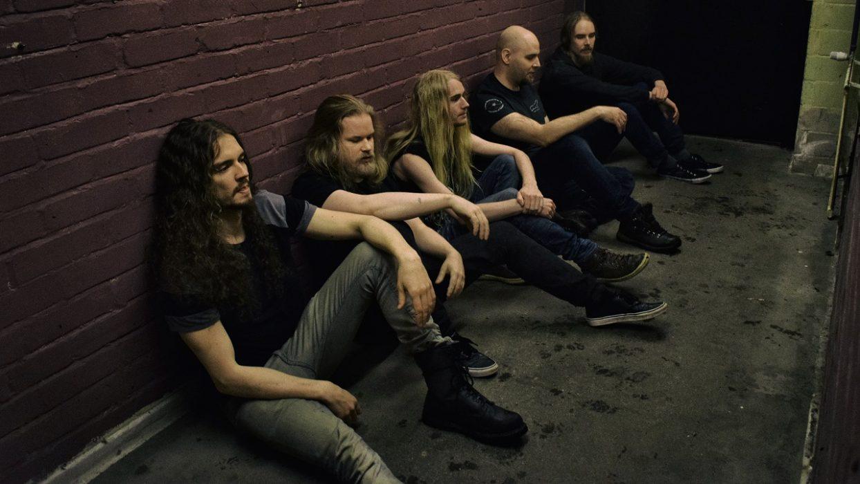 Kotimainen heavy rock -yhtye Bailout julkaisi tulevalta levyltään toisen singlen lyriikkavideon muodossa