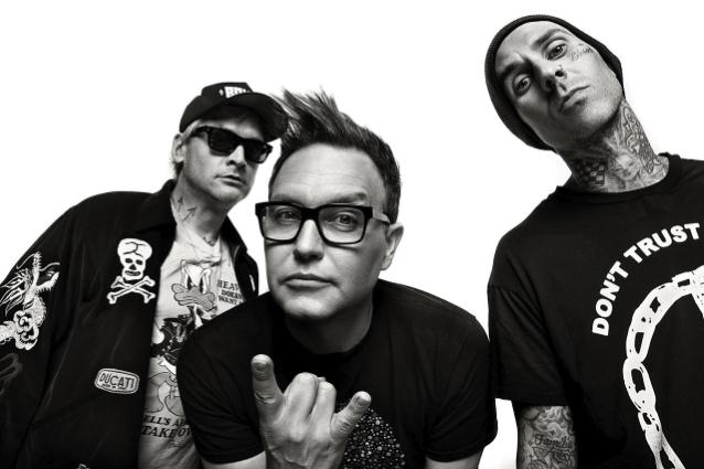 Travis Barker vahvistaa Blink-182:n aikovan julkaista uuden albuminsa tänä vuonna
