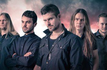 Mahtipontista metallia Wintersunin ja Nightwishin jalanjäljissä: KaaosTV:n videohaastattelussa toisen albuminsa perjantaina julkaiseva Gladenfold