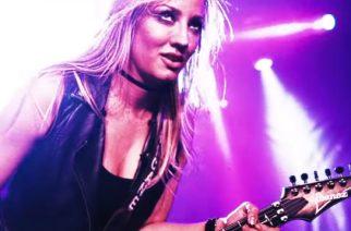 Alice Cooperin kitaristinakin tunnettu Nita Strauss on inspiroitunut tekemään entistä synkempää musiikkia seuraavalle sooloalbumilleen