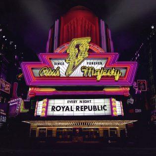 """Royal Republic yhdisti energisen rokin kasaridiskoon –  arviossa odotettu """"Club Majesty"""""""