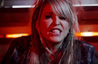 """Vixenin ex-laulaja Janet Gardner julkaisi videon kappaleelle """"Lonely We Fight"""""""